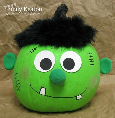 You can create this easy and adorable Frankenstein with common craft materials. Here is a list of more pumpkin decorating ideas that toddlers, preschoolers and kids of all ages can create! #howweelearn #pumpkincarving #pumpkindecorating #jackolantern # halloween #kidsactivities