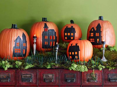 Make just one haunted house ore create a haunted village with simple paintings and easy cut-outs. Here is a list of more pumpkin decorating ideas that toddlers, preschoolers and kids of all ages can create! #howweelearn #pumpkincarving #pumpkindecorating #jackolantern # halloween #kidsactivities