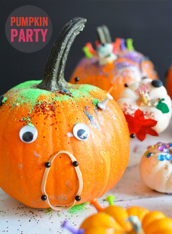 Place various craft materials in a tray and watch your kids create unique pumpkins, all their own! Here is a list of more pumpkin decorating ideas that toddlers, preschoolers and kids of all ages can create! #howweelearn #pumpkincarving #pumpkindecorating #jackolantern # halloween #kidsactivities
