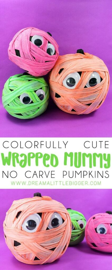 These funny mummies are so easy to make and don't need to be died to be cute. Here is a list of more pumpkin decorating ideas that toddlers, preschoolers and kids of all ages can create! #howweelearn #pumpkincarving #pumpkindecorating #jackolantern # halloween #kidsactivities