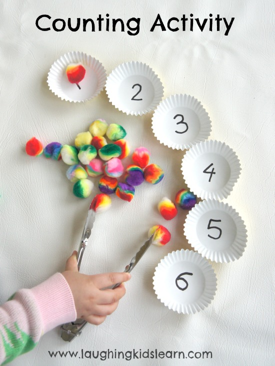 This simple activity helps kids practice counting and strengthens their fine motor skills. Here you will find more play-based number activities for preschoolers to keep them practicing their counting, number recognition and one-to-one correspondence. #howweelearn #numbers #numbersense #numeracy #counting